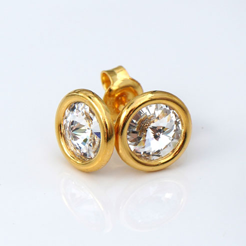 24k Gold Plated .925 Silver stud earrings crafted with clear Swarovski® crystals. April birthstone jewellery.