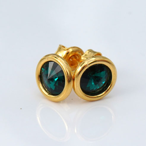 24K Gold plated Sterling silver stud earring created with a 6mm round Emerald Green coloured Swarovski crystal. May birthstone jewellery. Retha Designs