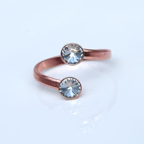 Rose Gold plated Silver Adjustable ring made with Clear Swarovski® crystals. April birthstone.